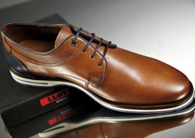 008-Shoes